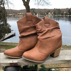 Shoes - New tan boots